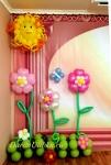 Оформление полянка с цветами