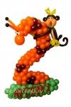 Цифра  2 из воздушных шаров с обезьянкой