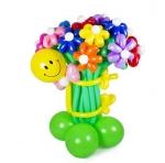 Смайл с букетом цветов из воздушных шаров