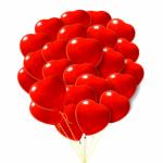 Облако шаров сердца красные